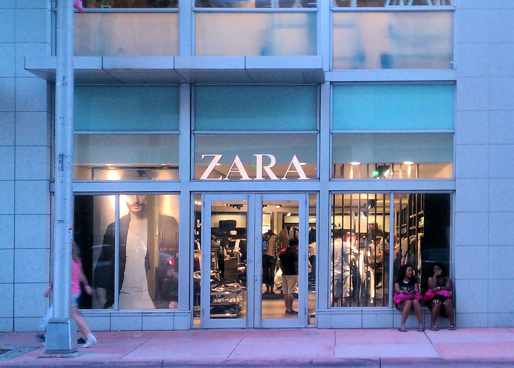 Zara Miami Beach Fl Usa